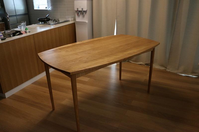 山桜の食卓テーブル